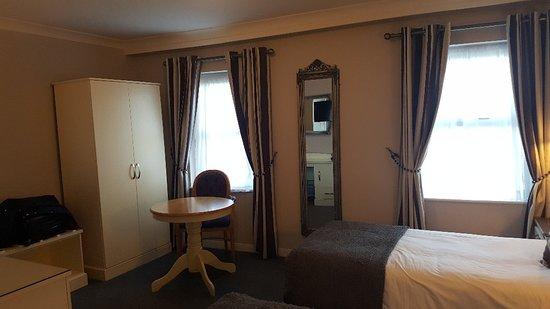 Castle Arch Hotel: 20180425_154228_large.jpg
