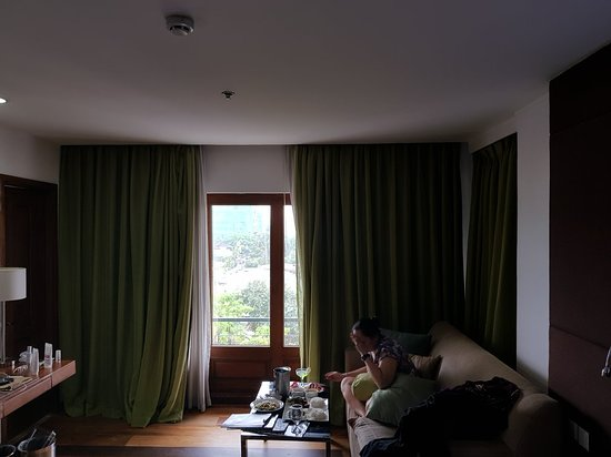 The Cocoon Boutique Hotel: 20180422_132620_large.jpg
