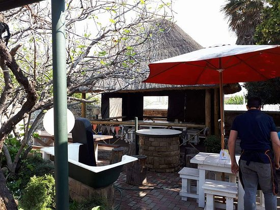 Harrismith, Νότια Αφρική: The Office Pub and Grill