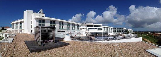 Memmo Baleeira Hotel: Achteraanzicht van het design hotel.