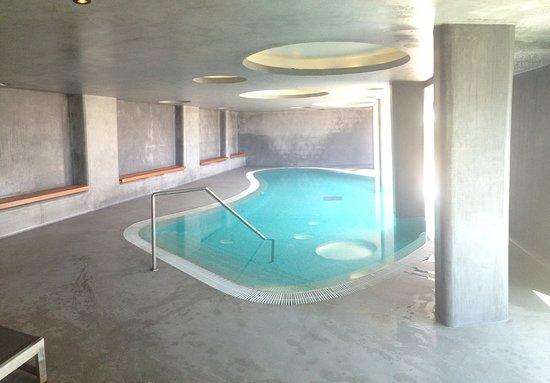 Memmo Baleeira Hotel: Verwarmd Binnenzwembad