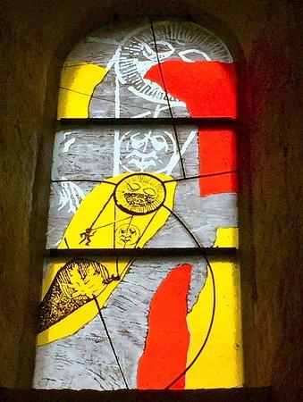Trizay, Francja: Des vitraux originaux