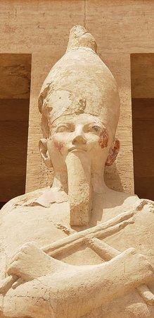 Templo funerario de Hatshepsut en Deir el Bahari: 20180413_113619_large.jpg
