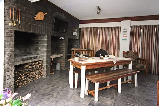 Queenstown, South Africa: Indoor braai