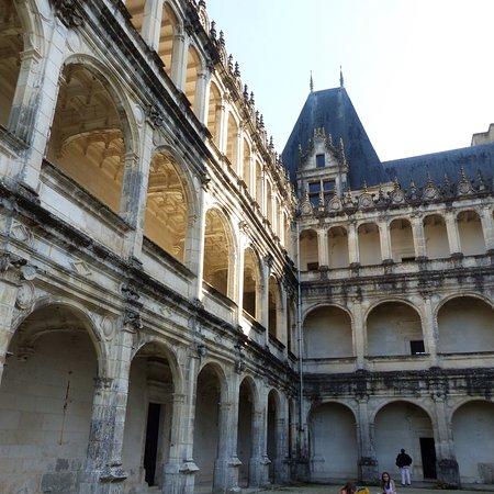 La Rochefoucauld, فرنسا: photo0.jpg