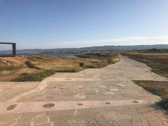 Amphora Hotel & Suites: Proměnáda od pevnosti v Pafosu k majáku - ideální pro ranní běh