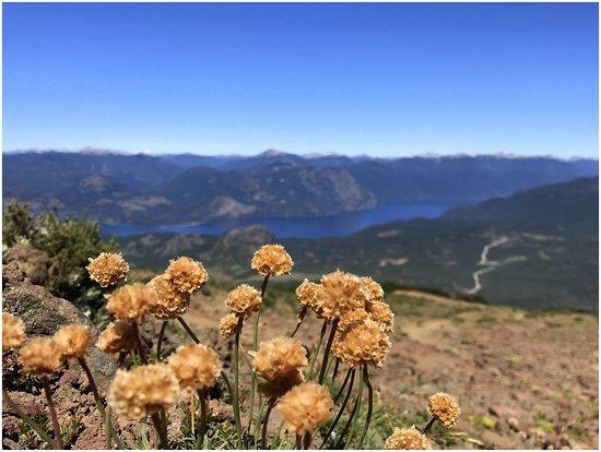 Vista desde la cima del Cerro Colorado en San Martín de los Andes