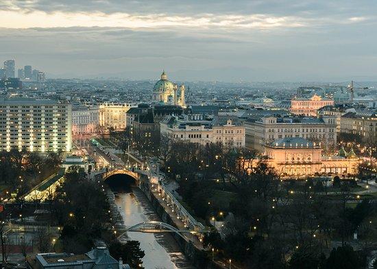 Tours Viena