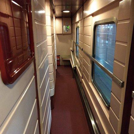 Anuncio RENFE Tren Hotel - YouTube