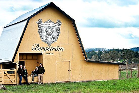 Ньюберг, Орегон: John, Karen, Caroline & Josh Bergstrom