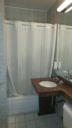 Chelsea Savoy Hotel: 0418181056_large.jpg