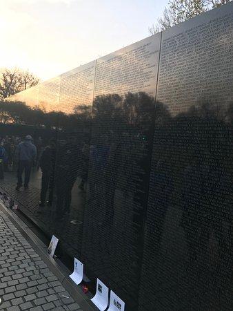Vietnam Veterans Memorial: Dust remembers the wall