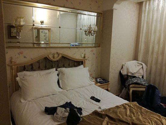 Amiral Palace Hotel Photo
