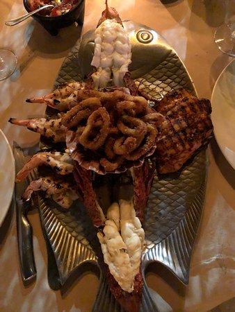 La Golondrina Restaurant: Seafood platter for 2