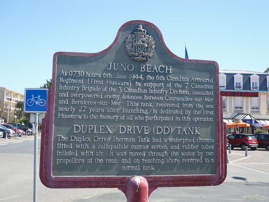 Courseulles-sur-Mer, Fransa: Commemorative Plaque at Juno Beach