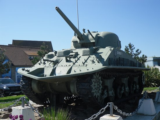 Musee de Courseulles : Tank on display
