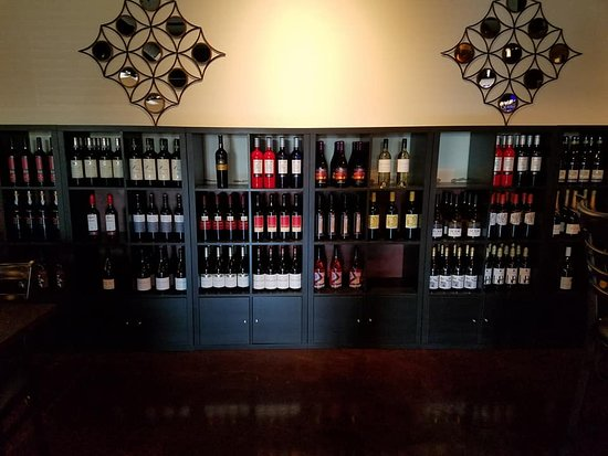 Pickerington, OH: Wine Selection is Great!