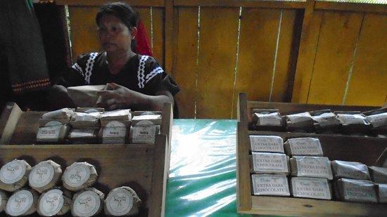 Oreba Chocolate Tour: Handmade products