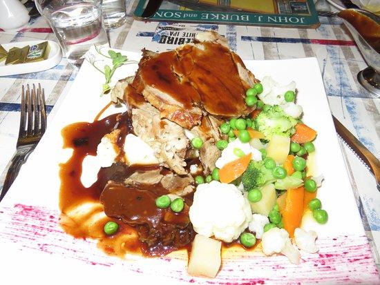 Burkes Bar and Restaurant : Leg of Lamb Dinner