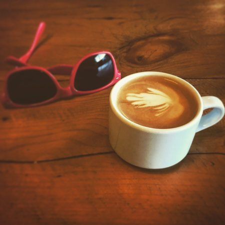 Valleyview, Kanada: Next time you stop at Tall Timber, ask for a cortado. It is absolutely fantastic.