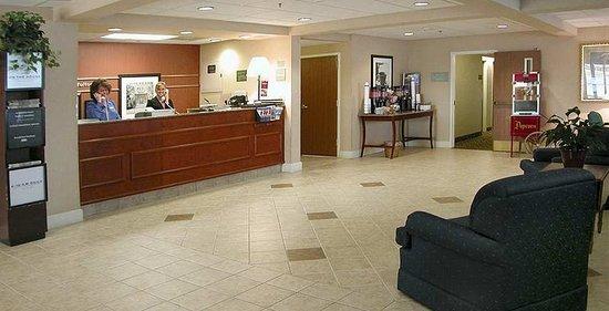 Fultondale, AL: Lobby
