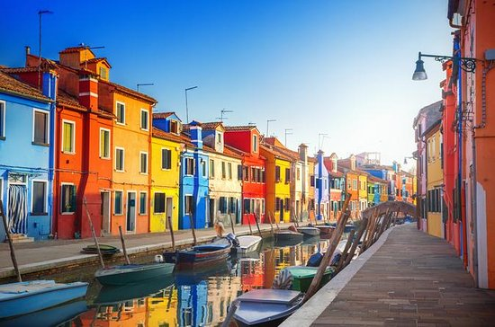 MURANO and BURANO ISLAND TOUR with GLASS OF WINE