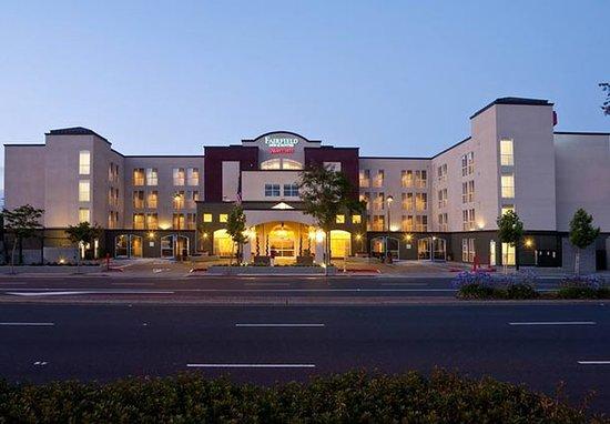 Fairfield Inn Amp Suites San Francisco Airport Millbrae 149