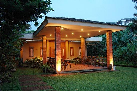 the cipaku garden hotel 30 4 5 prices reviews bandung rh tripadvisor com