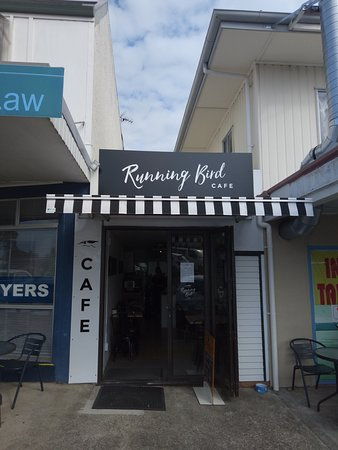 "Omokoroa Beach, New Zealand: Still Petite, but now ""Running Bird Cafe"""