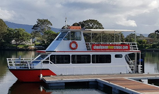 Shoalhaven Explorer docked at Nowra Public Wharf preparing for a Shoalhaven River Cruise
