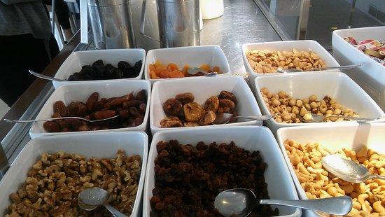 Son Caliu, สเปน: selection of dried fruits