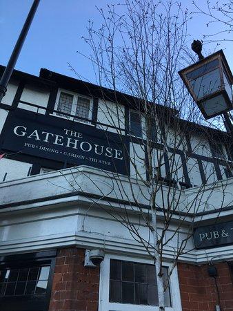 The Gatehouse: Gatehouse Pub, North London, UK