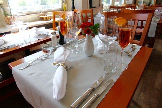 Uetikon am See, Switzerland: Restaurant