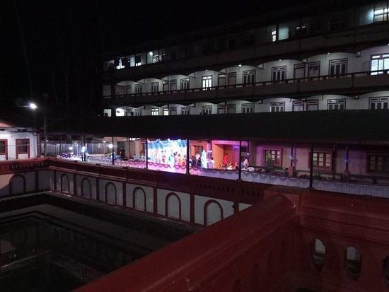 Shri Kamakshi Temple: IMG_20180417_212735343_large.jpg