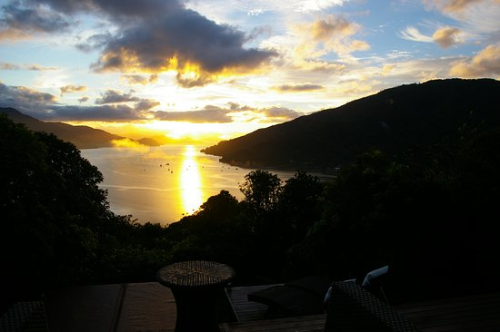 Anakiwa, New Zealand: Autumn sunrise is right down the sound ... spectacular