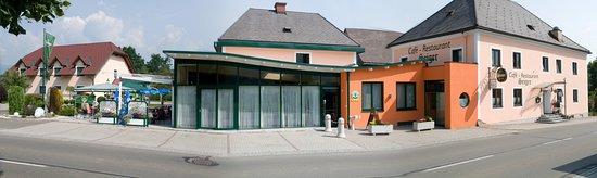 Knittelfeld, النمسا: Seitenansicht des gesamten Betriebes