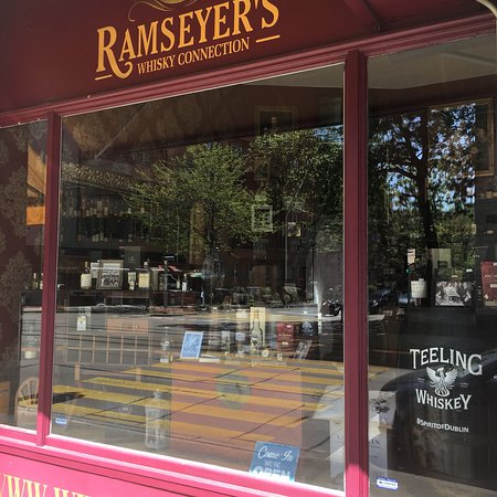 Laden: Ramseyer's Whisky Connection