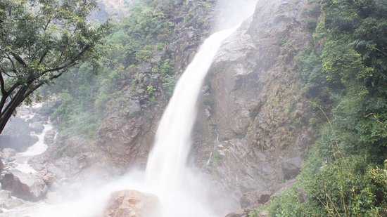 Cherrapunjee, Indien: Way to Rainbow falls