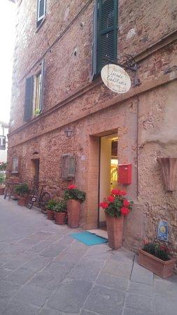 Castelmuzio, Olaszország: 20180426_201738_large.jpg