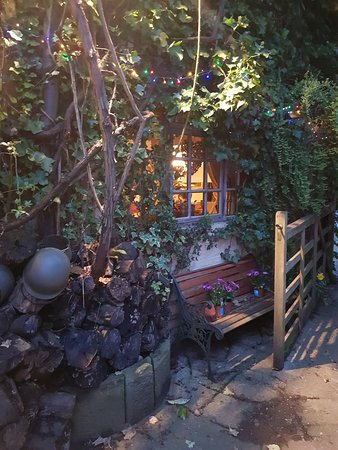 Wizards Thatch at Alderley Edge: Outside the room
