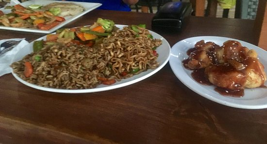 Jolly Roger: Chinese Plate: chicken balls, noodles, fried rice and stir fry veg, we ordered an extra side