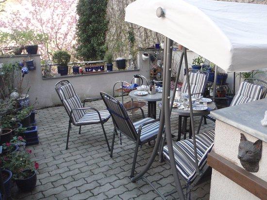 Pension VITIS: Breakfast on the terrace