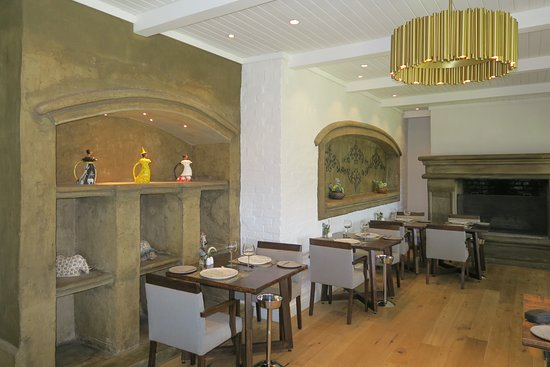 La Pee Ferme Nice Dining Rooms