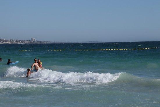Sorrento, Australia: People having fun