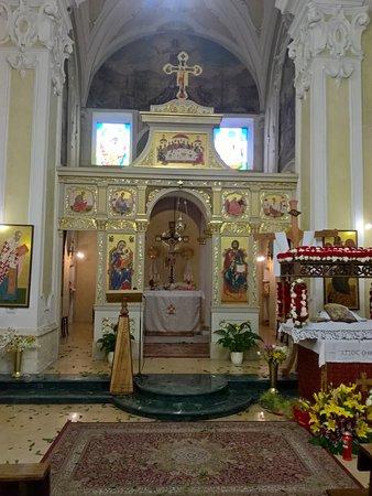 San Basile, Italia: Iconostasi con abside