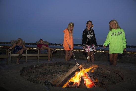 Delavan, WI: Nightly lakeside bonfires and S'mores.