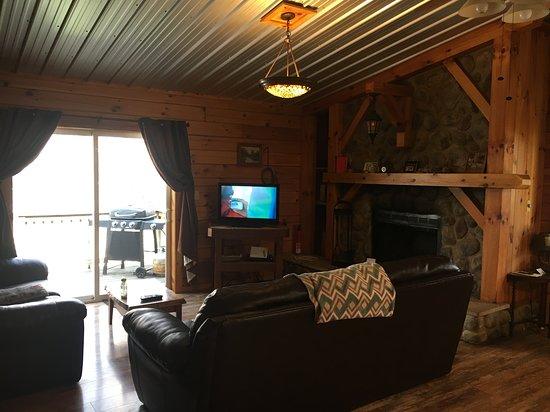 Springwood Cabins Photo