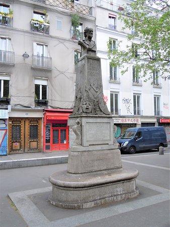 Statue Baron Isidore Taylor