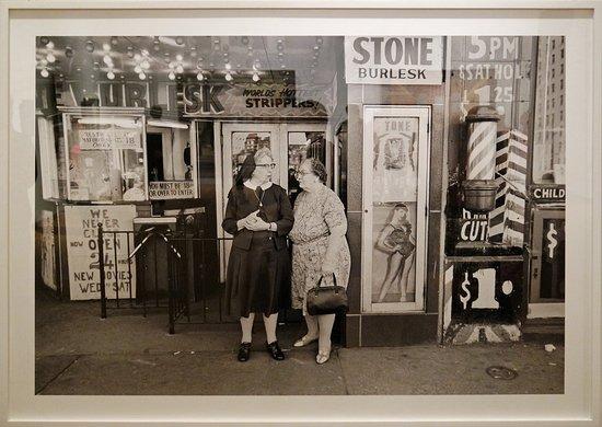 Kunsthalle Emden: Bille Rauhauser, Stone Burlesk, oftewel tante zuster is op pad