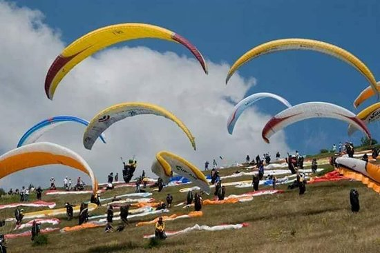Mestia, จอร์เจีย: paragliding georgia